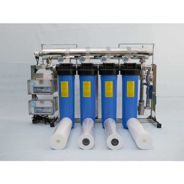 C4 for 150 Lpm (chlorine removal cartridges shown)